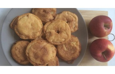 Beignets aux pommes pour mardi gras